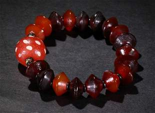 AGATE STRING BRACELET WITH 19 BEADS