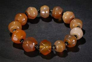 AGATE STRING BRACELET WITH 13 BEADS
