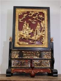 GILT LACQUER WOOD CARVED FIGURE PATTERN SCREEN