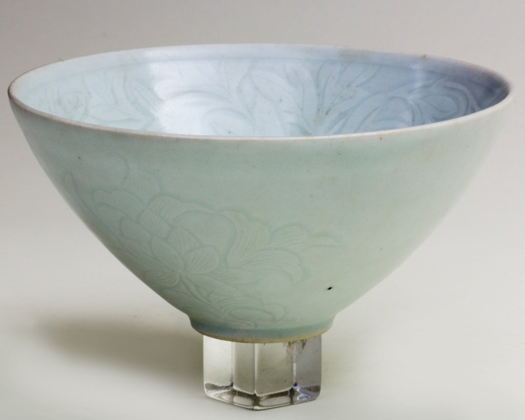 QING BAI GLAZED BOWL WITH FLOWER PATTERN ENGRAVED - 2