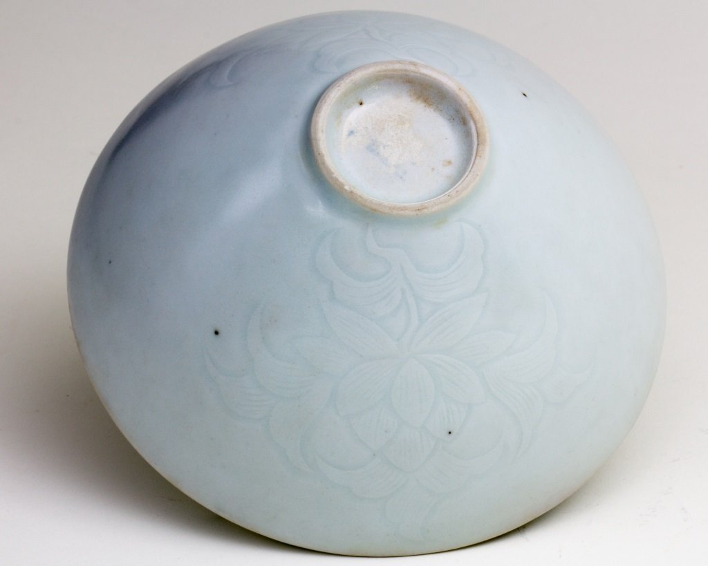QING BAI GLAZED BOWL WITH FLOWER PATTERN ENGRAVED - 4