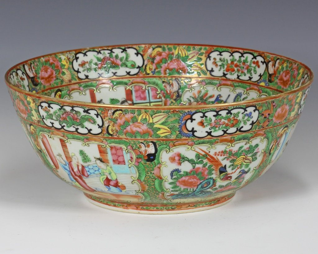 Large Cantonese Famille Rose Punch Bowl and Platte - 6