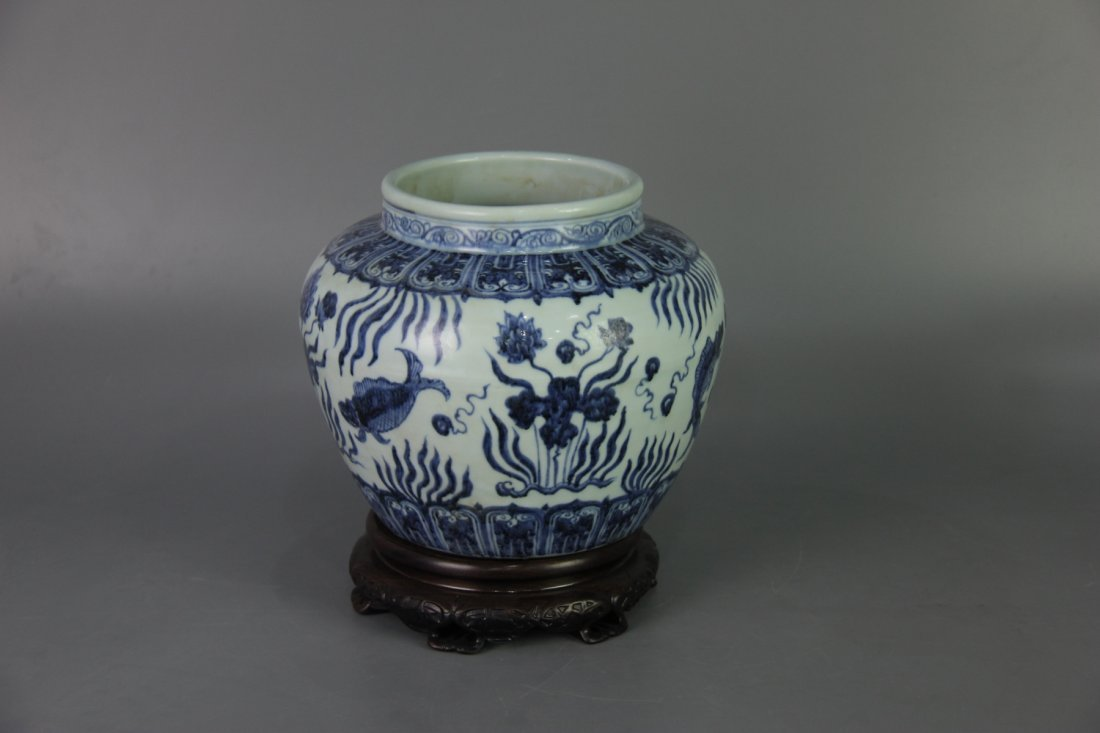 MING XUANDE MARK BLUE&WHITE JAR