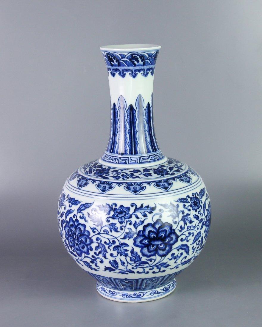 DAQING QIANLONG NIANZHI MARK BLUE&WHITE BOTTLE VASE - 2