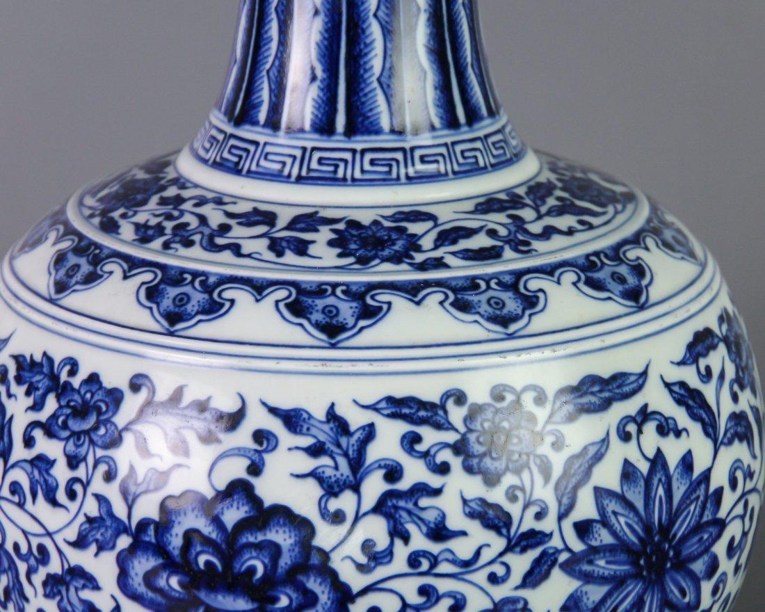DAQING QIANLONG NIANZHI MARK BLUE&WHITE BOTTLE VASE - 6