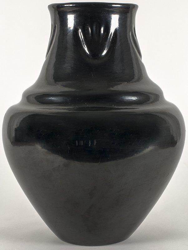 Margaret Tafoya   Black Pot