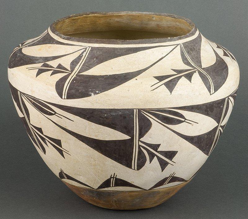 Acoma Vase (ca. 1940's)