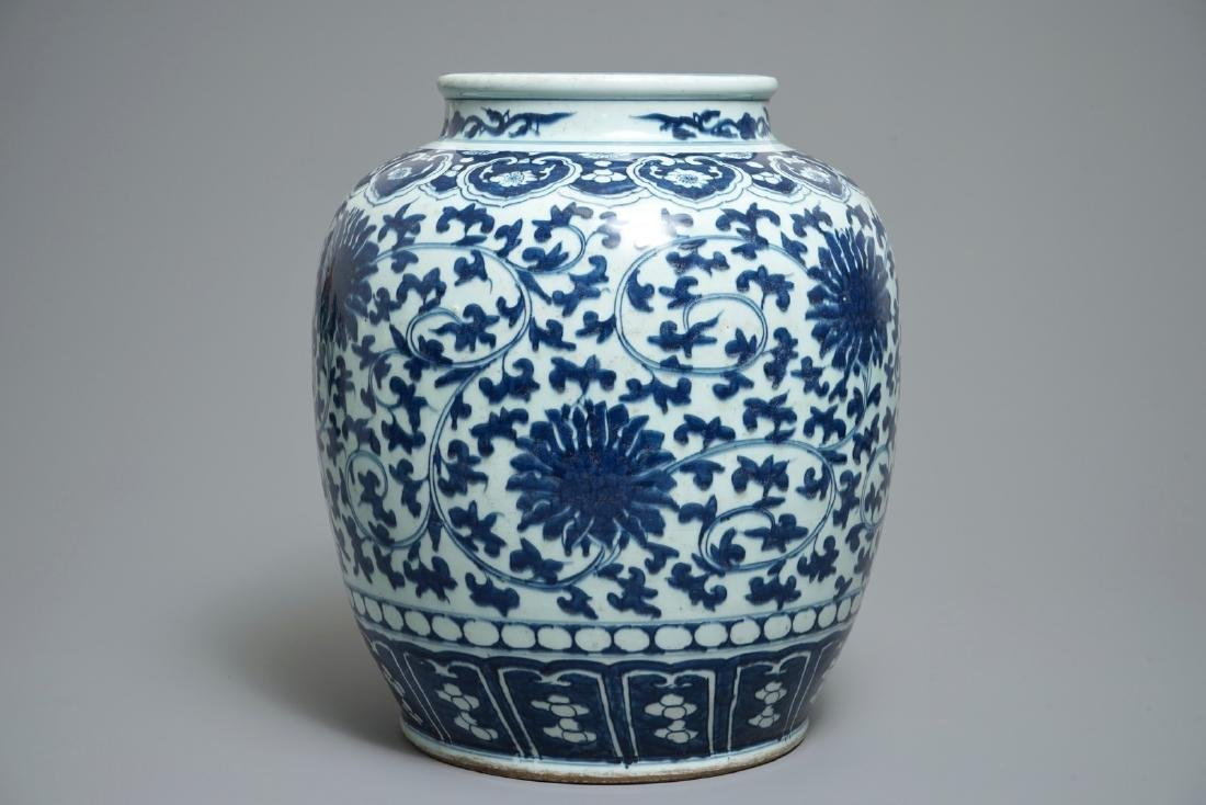 A Chinese blue and white lotus scroll jar, 19th C.