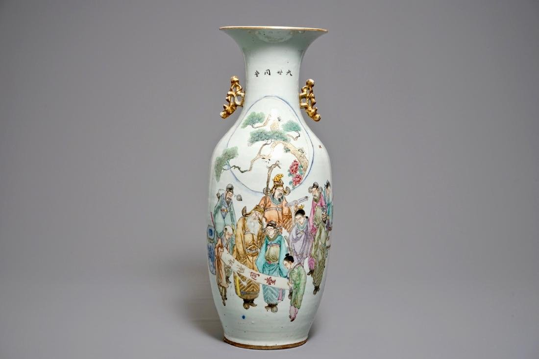 A fine Chinese famille rose vase, 19/20th C.