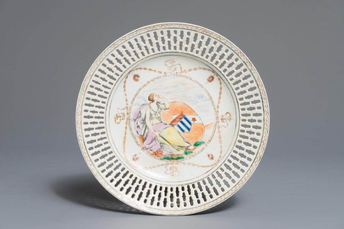 A Chinese reticulated famille rose English market plate