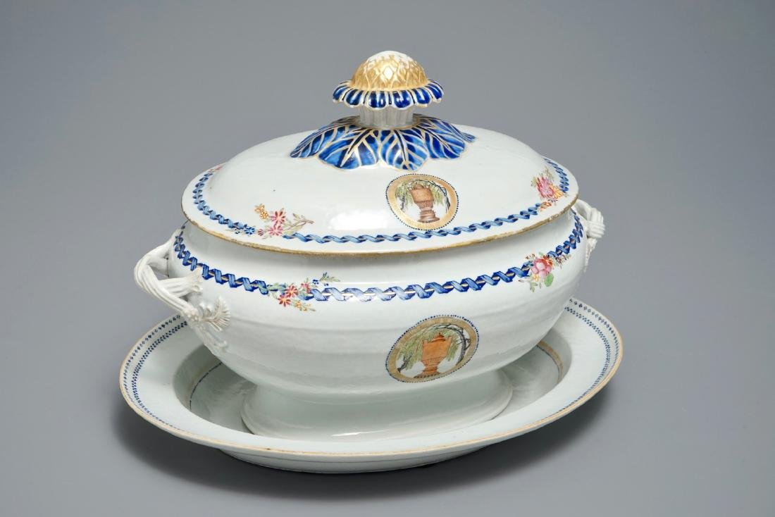 A Chinese export porcelain 'Mysterious urn' tureen and