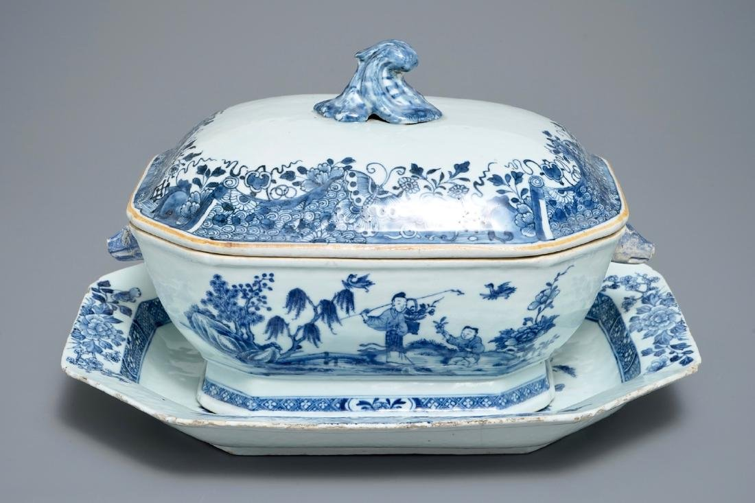 A Chinese blue and white tureen and cover on stand,