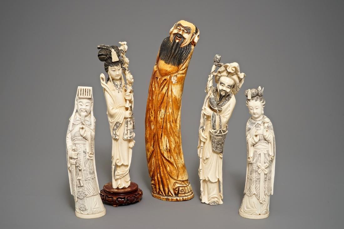 Five various Chinese carved  figures, 19/20th C.