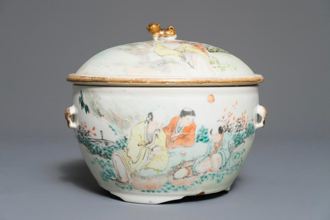 A Chinese qianjiang cai bowl and cover, 19/20th C.