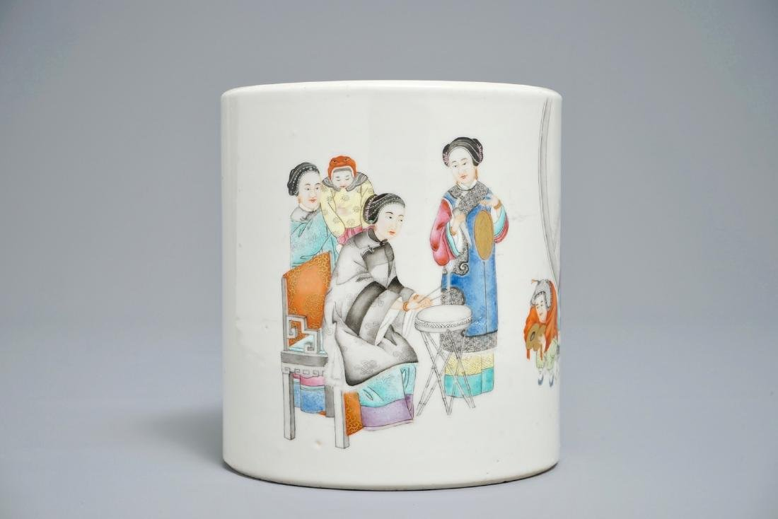 A fine Chinese famille rose brush pot, 19/20th C.