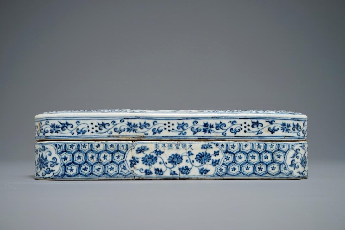 A Chinese blue and white pen box and cover, Xuande