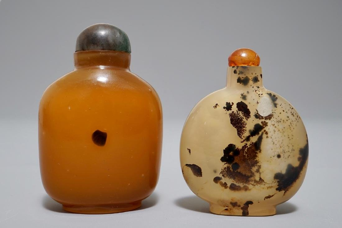 Two Chinese 'shadow' agate snuff bottles, 19/20th C.