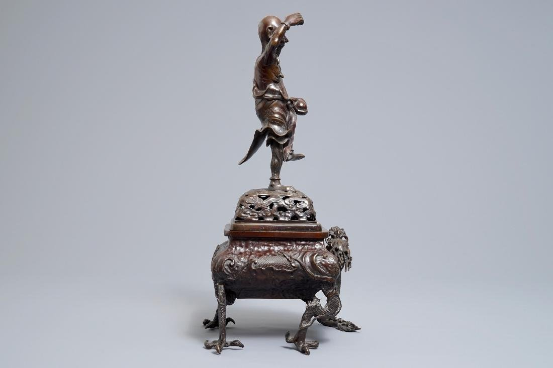 A Japanese bronze koro on dragon claw feet, Edo or - 3