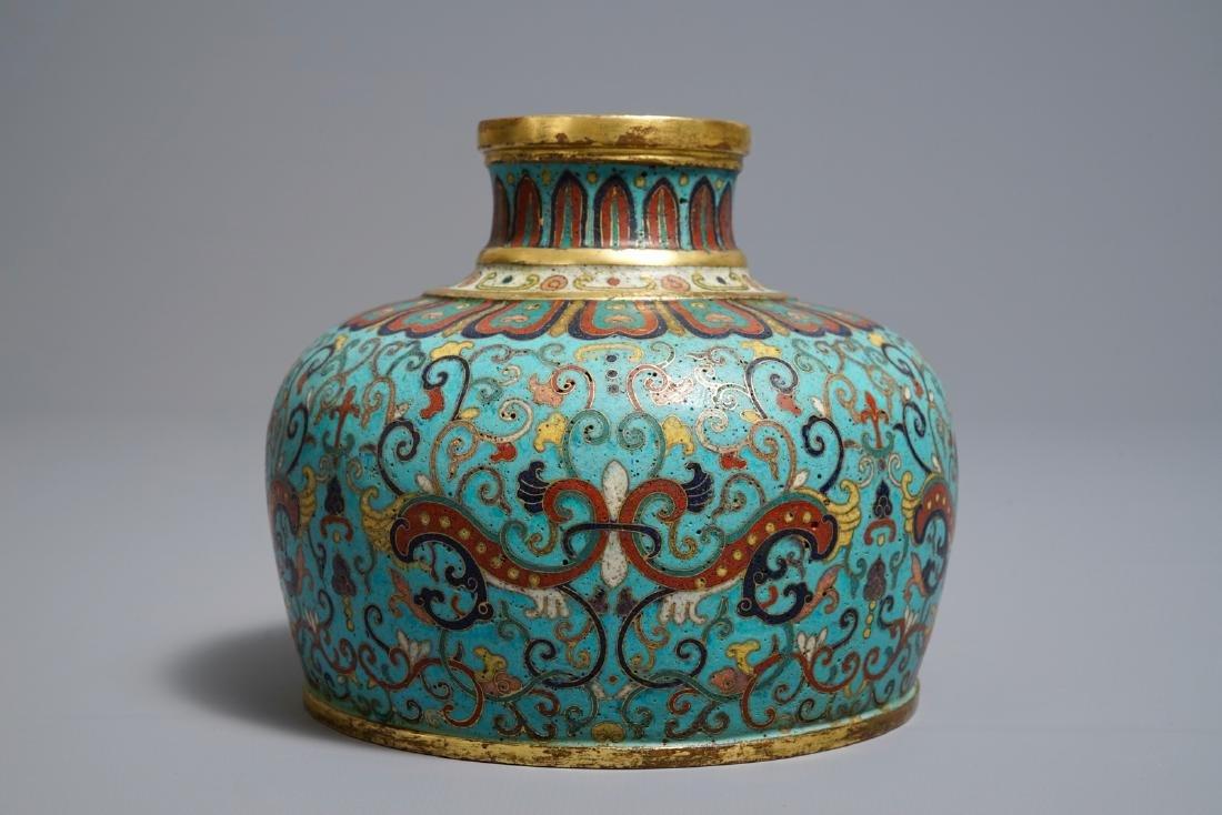 A Chinese cloisonné vase, Qianlong mark, 19/20th C. - 3