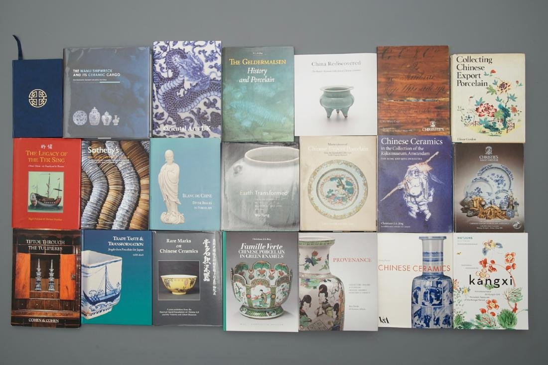 42 books on mostly Chinese porcelain, incl. shipwreck - 2