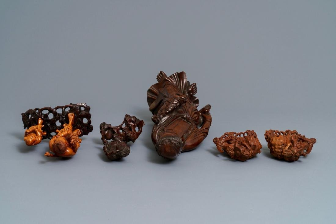 Six Chinese carved wood figures, 19/20th C. - 7