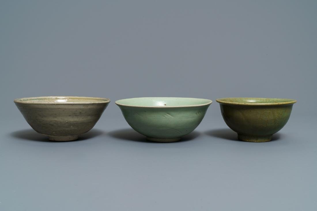 Two Chinese Longquan celadon dishes and three bowls, - 4