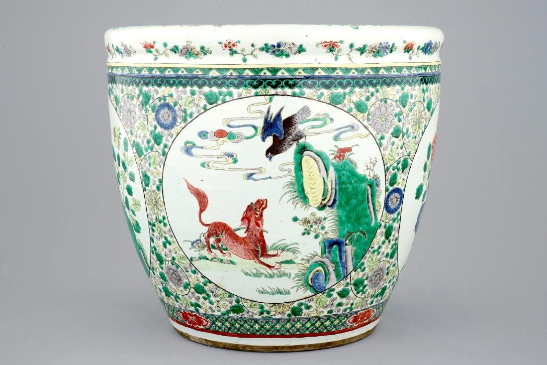A large Chinese famille verte fish bowl with - 3