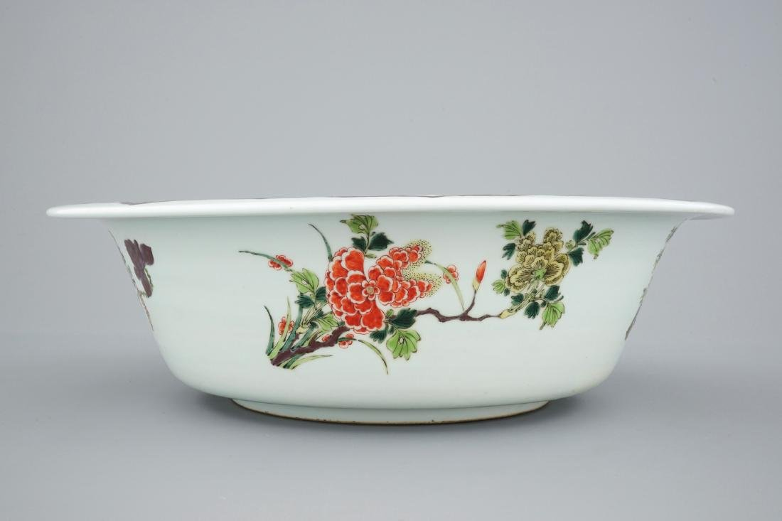 A very large Chinese famille verte bowl, 19/20th C. - 5