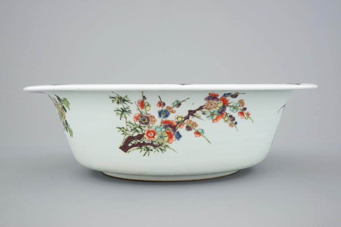 A very large Chinese famille verte bowl, 19/20th C. - 6