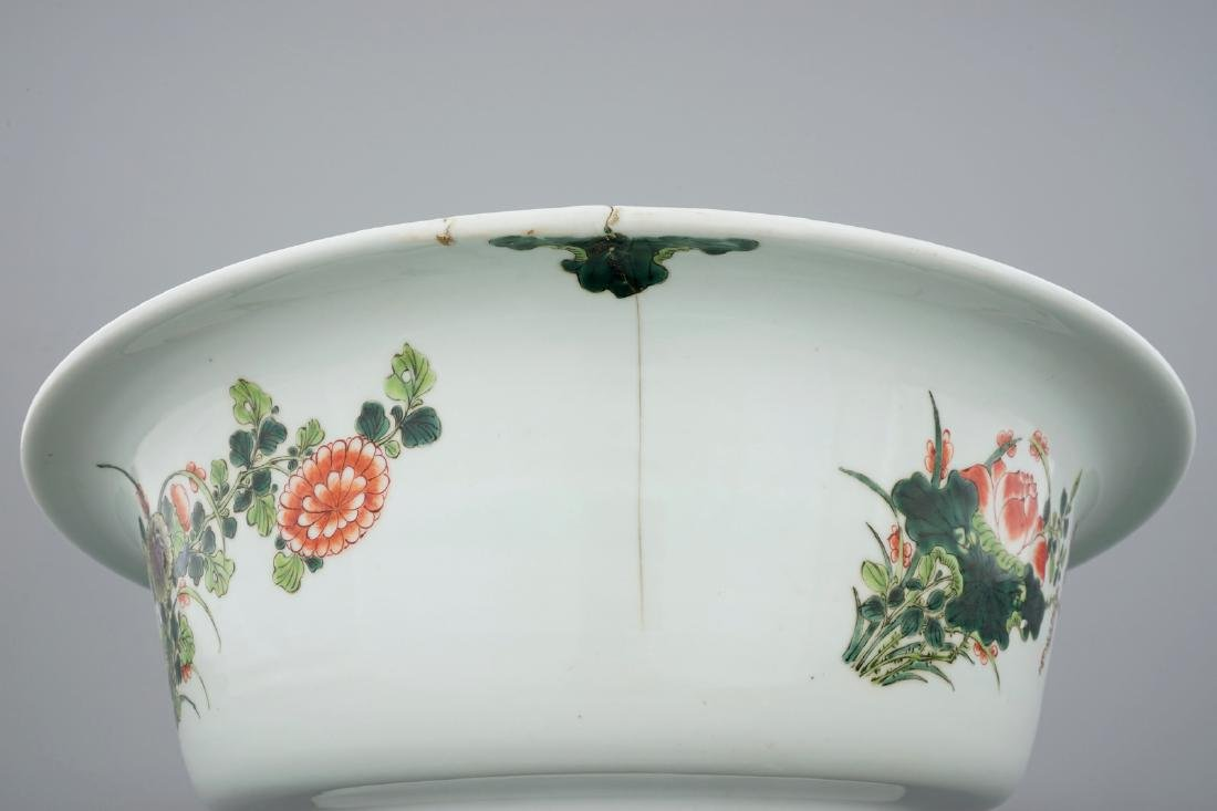 A very large Chinese famille verte bowl, 19/20th C. - 8
