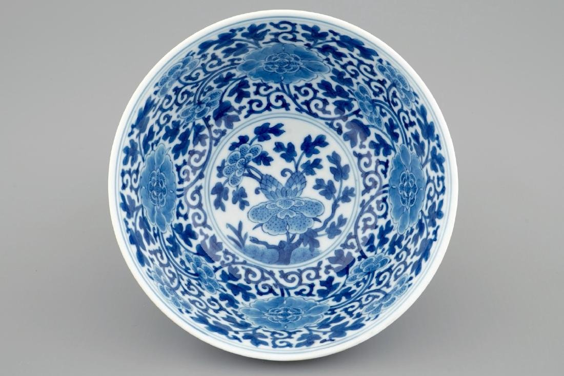 A Chinese blue and white peony scroll bowl, Qianlong - 2