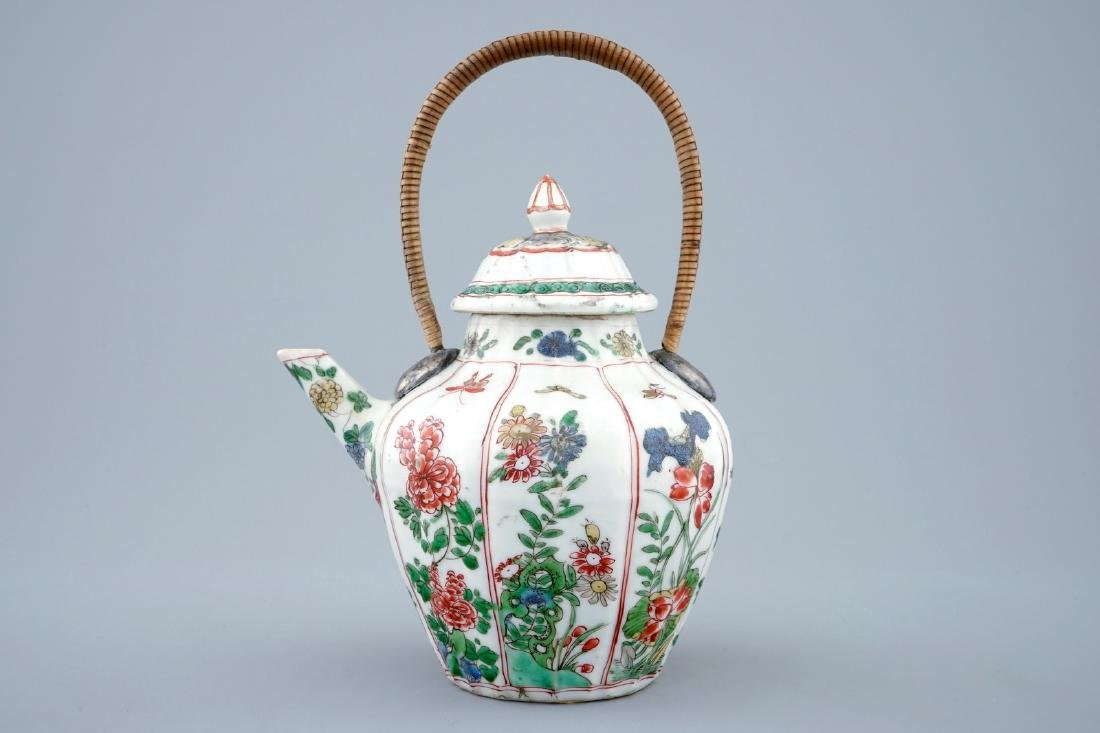 A Chinese famille verte teapot and cover with - 2