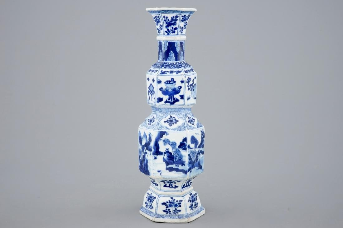 A Chinese blue and white hexagonal vase, Kangxi - 3
