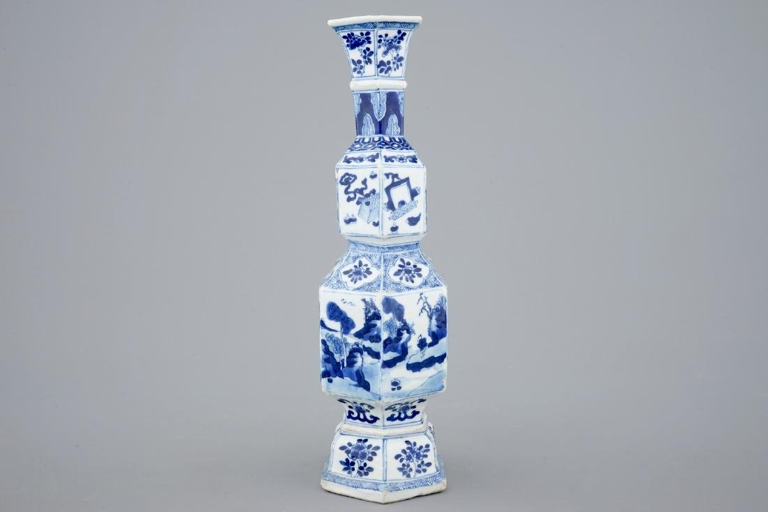 A Chinese blue and white hexagonal vase, Kangxi - 4