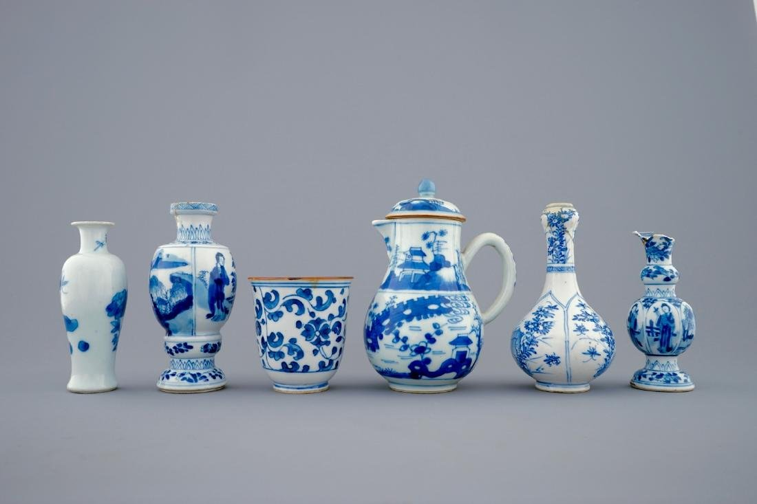 A set of 6 various blue and white Chinese vases and - 3