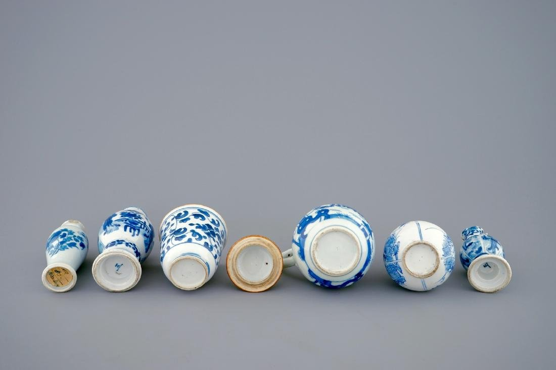 A set of 6 various blue and white Chinese vases and - 6
