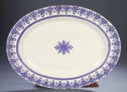 14: AN ENGLISH BLUE & WHITE CERAMIC PLATTER Henry Alco