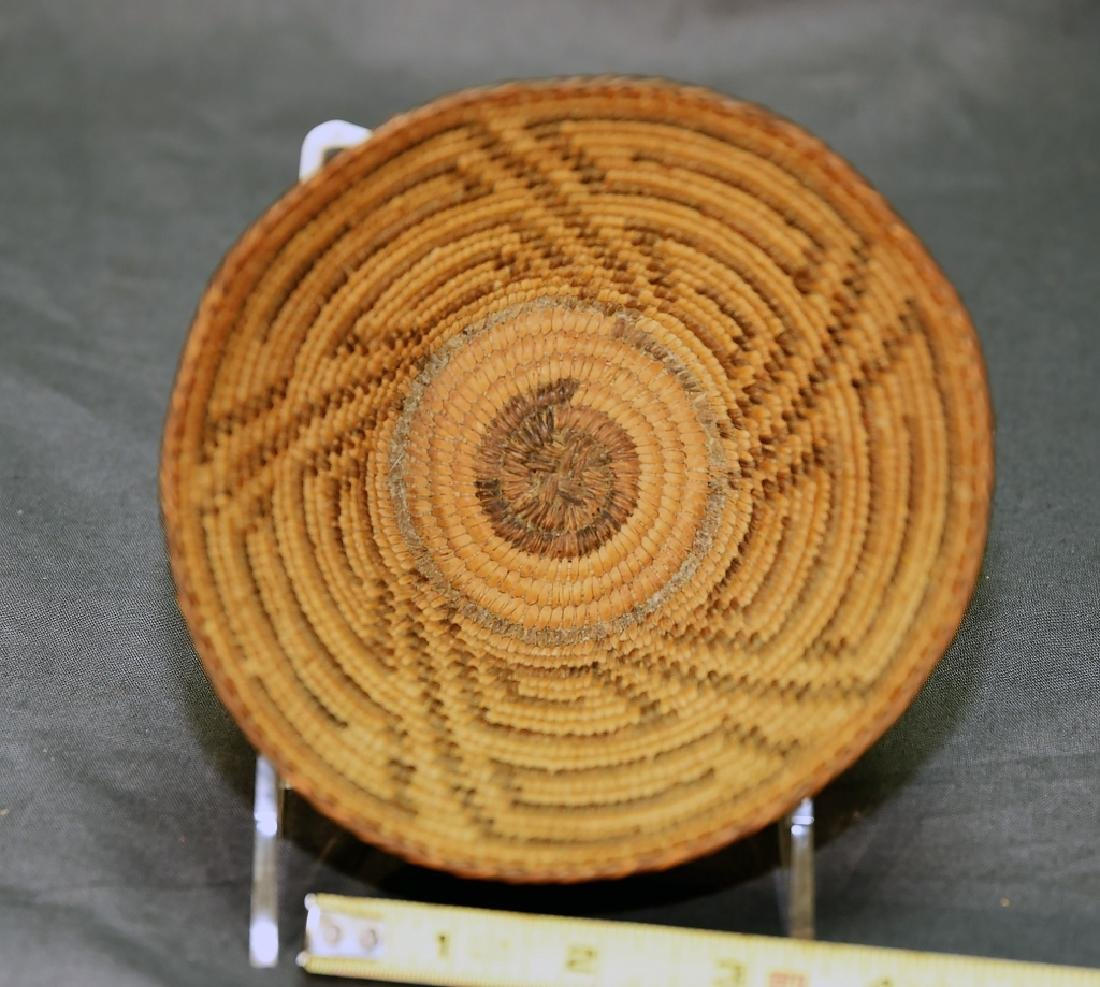 Small Native American Basket - 4