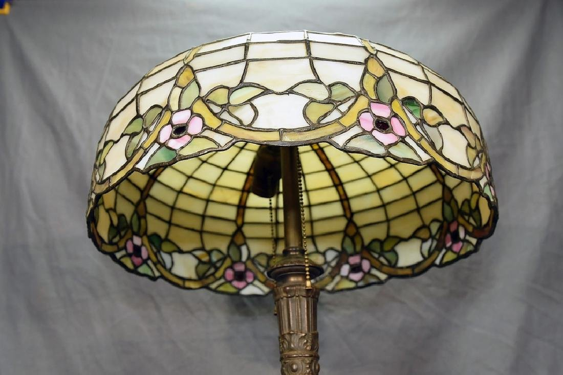 Circa 1920s Leaded Glass Table Lamp - 5