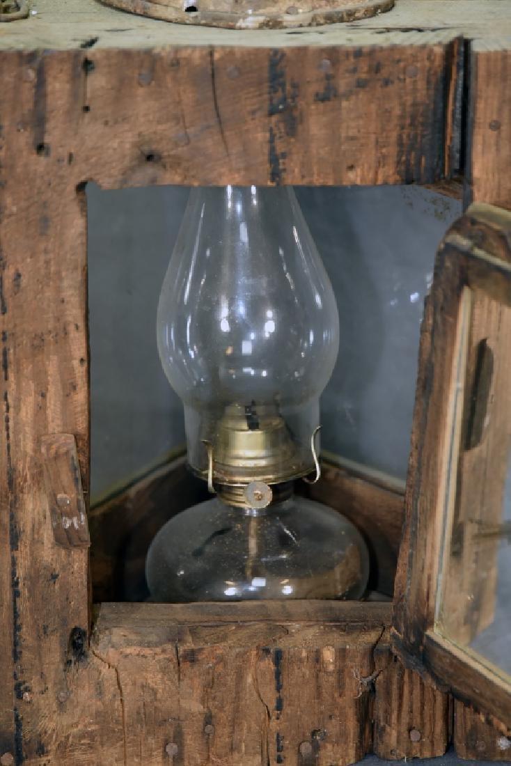 Primitive 3 Sided Duck Hunting Lantern w/ Oil Lamp - 4