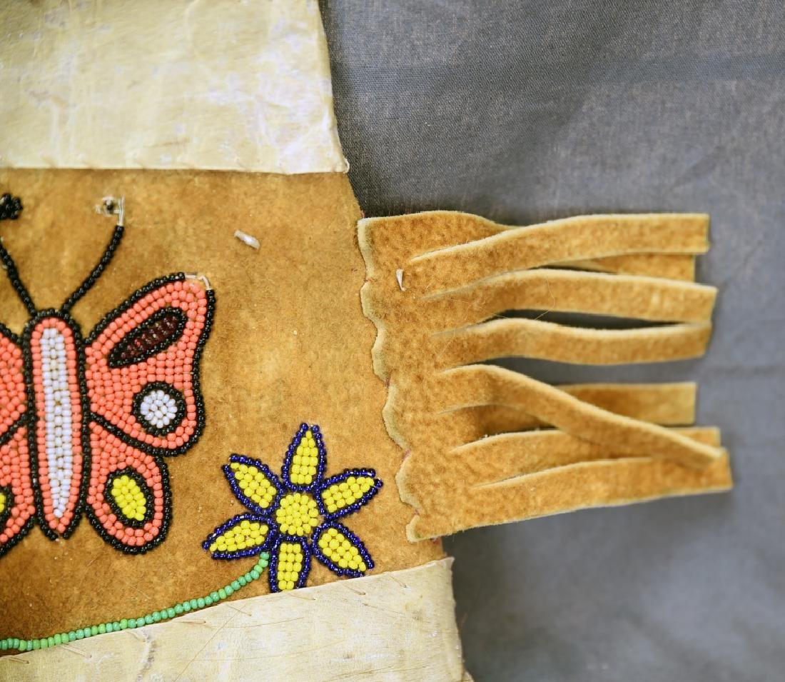 Hand Made Native American Beaded Buckskin Mittens - 6