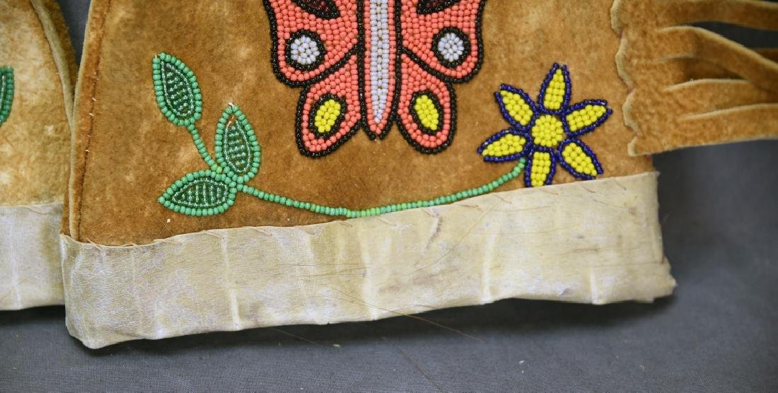 Hand Made Native American Beaded Buckskin Mittens - 9