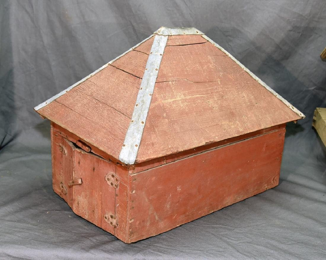 Wooden Farmhouse and Barn Set - 3