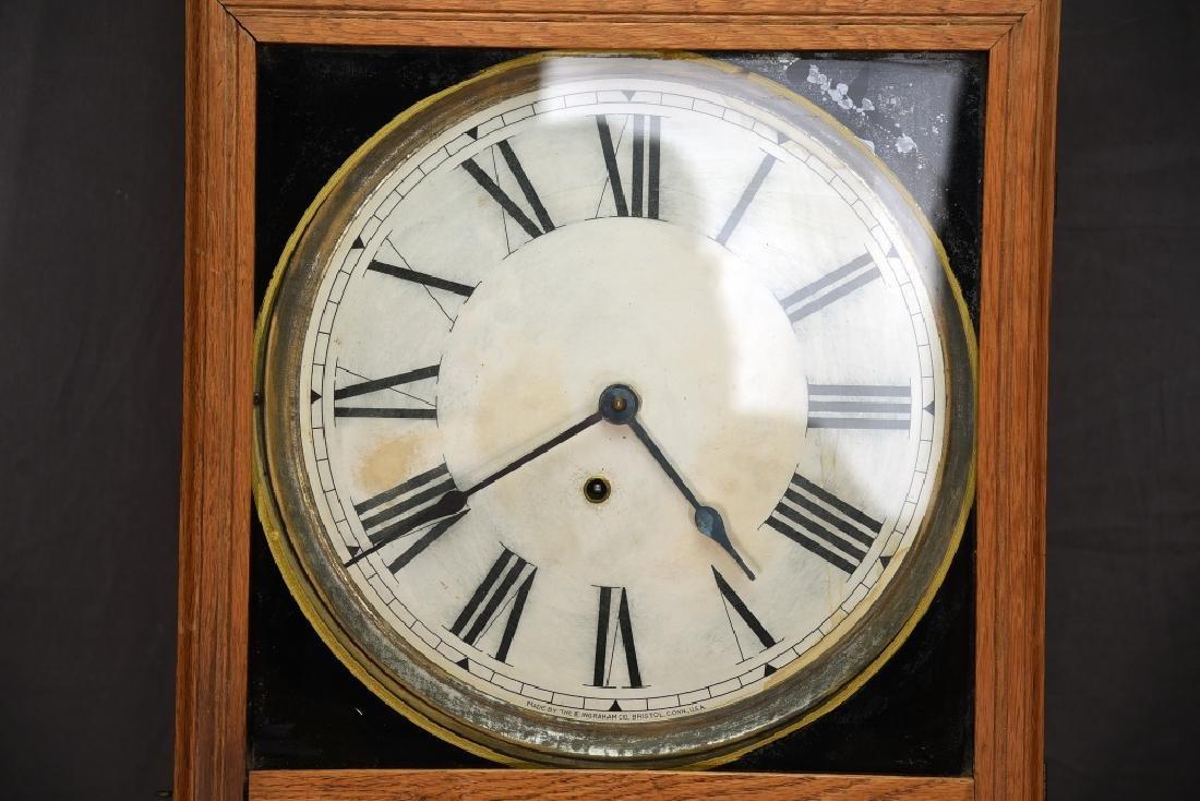 Ingraham Pressed Oak Regulator Clock - 3