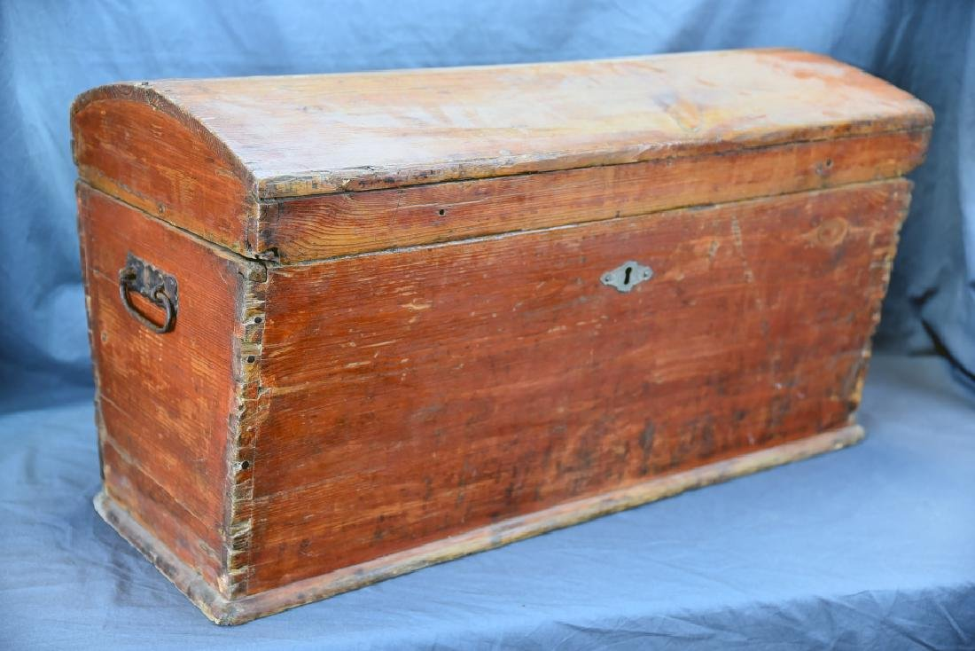 Pine Curved Top Trunk