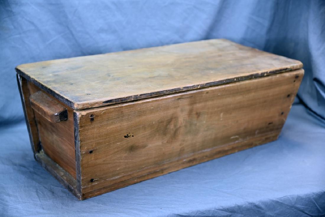 Primitive Dough Box with Cover