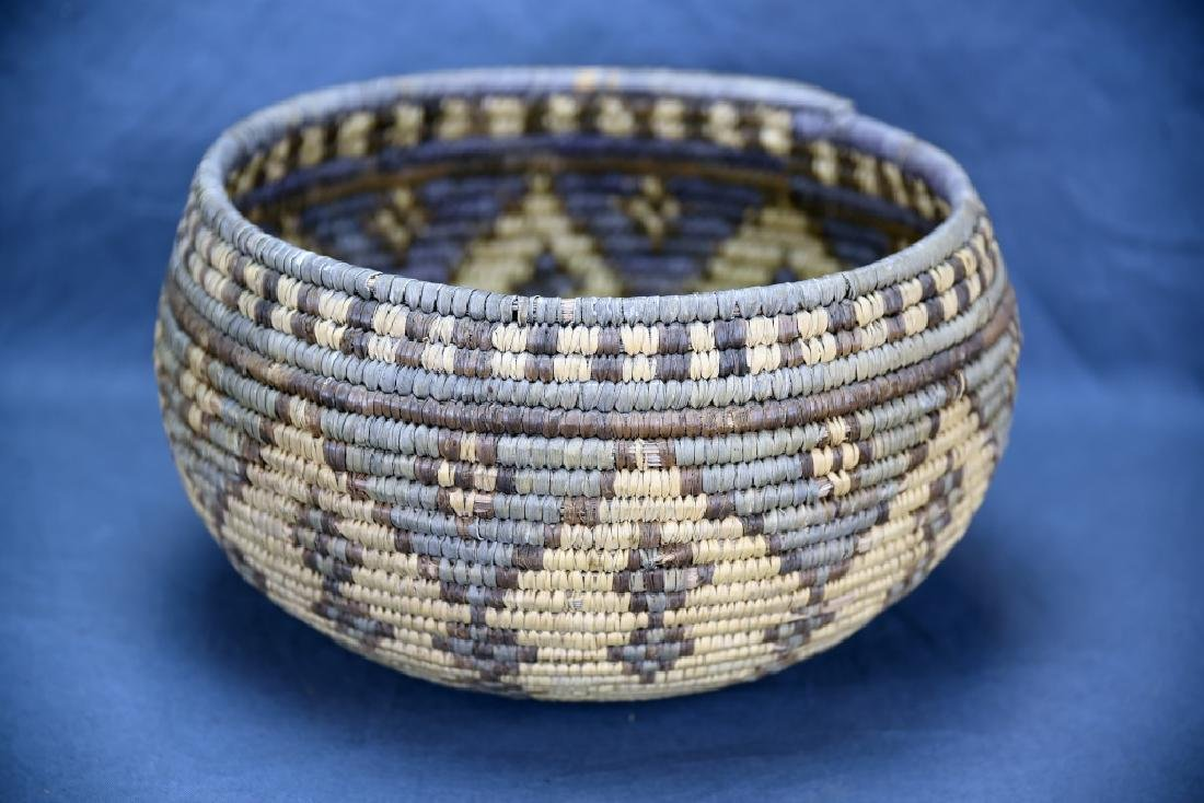 Large Native American Coil Basket - 3