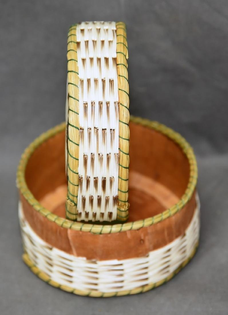 Iroquois Porcupine quill box - 3