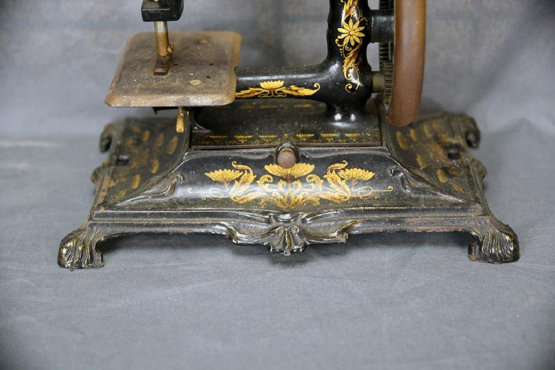 Hand Crank Cast Iron Sewing Machine by Muller - 4
