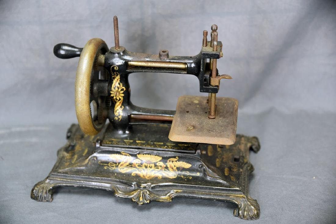 Hand Crank Cast Iron Sewing Machine by Muller - 6